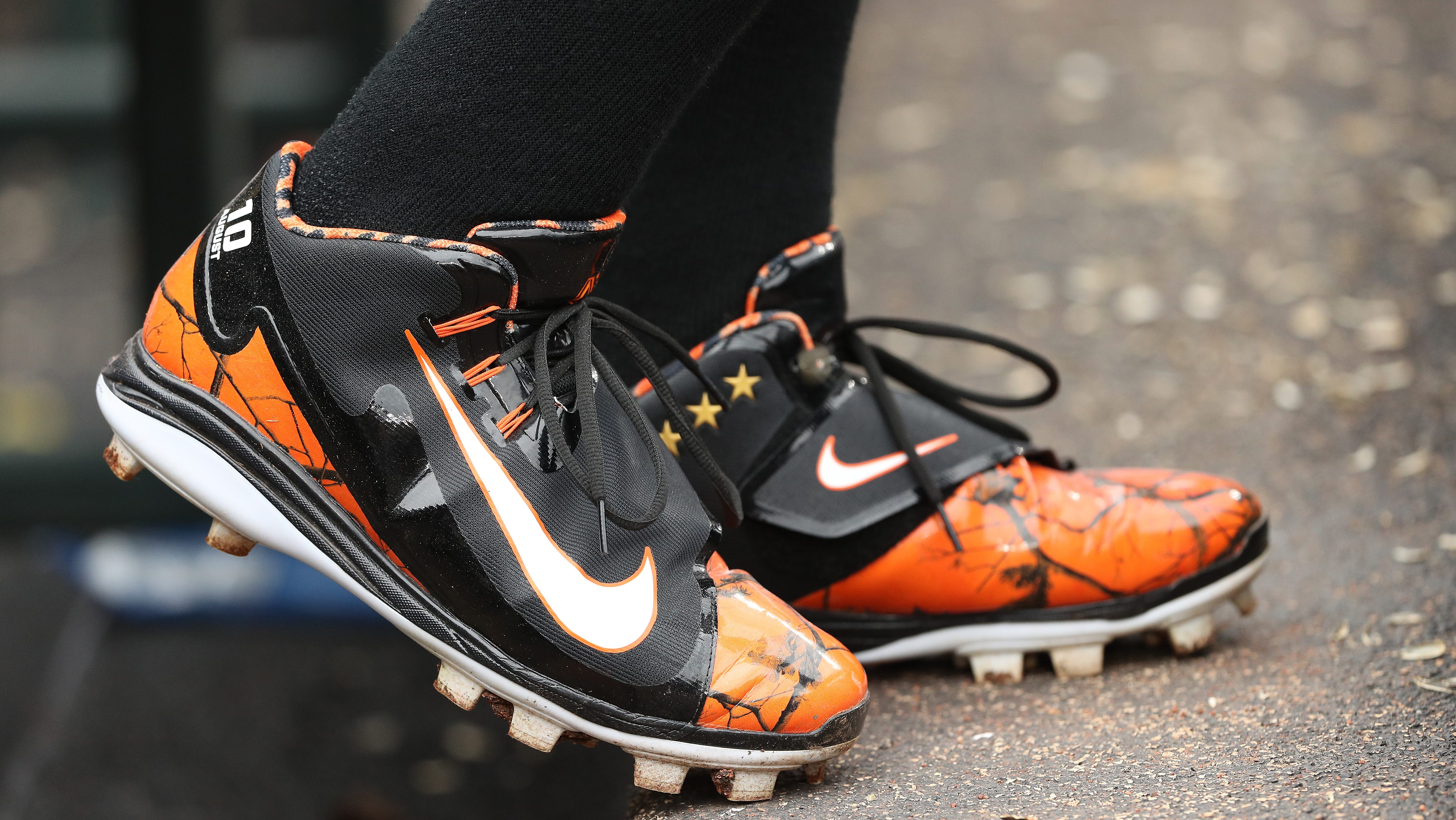oración Nublado Depender de  Swoosh up front: Nike to replace Under Armour for MLB - MLB | NBC Sports