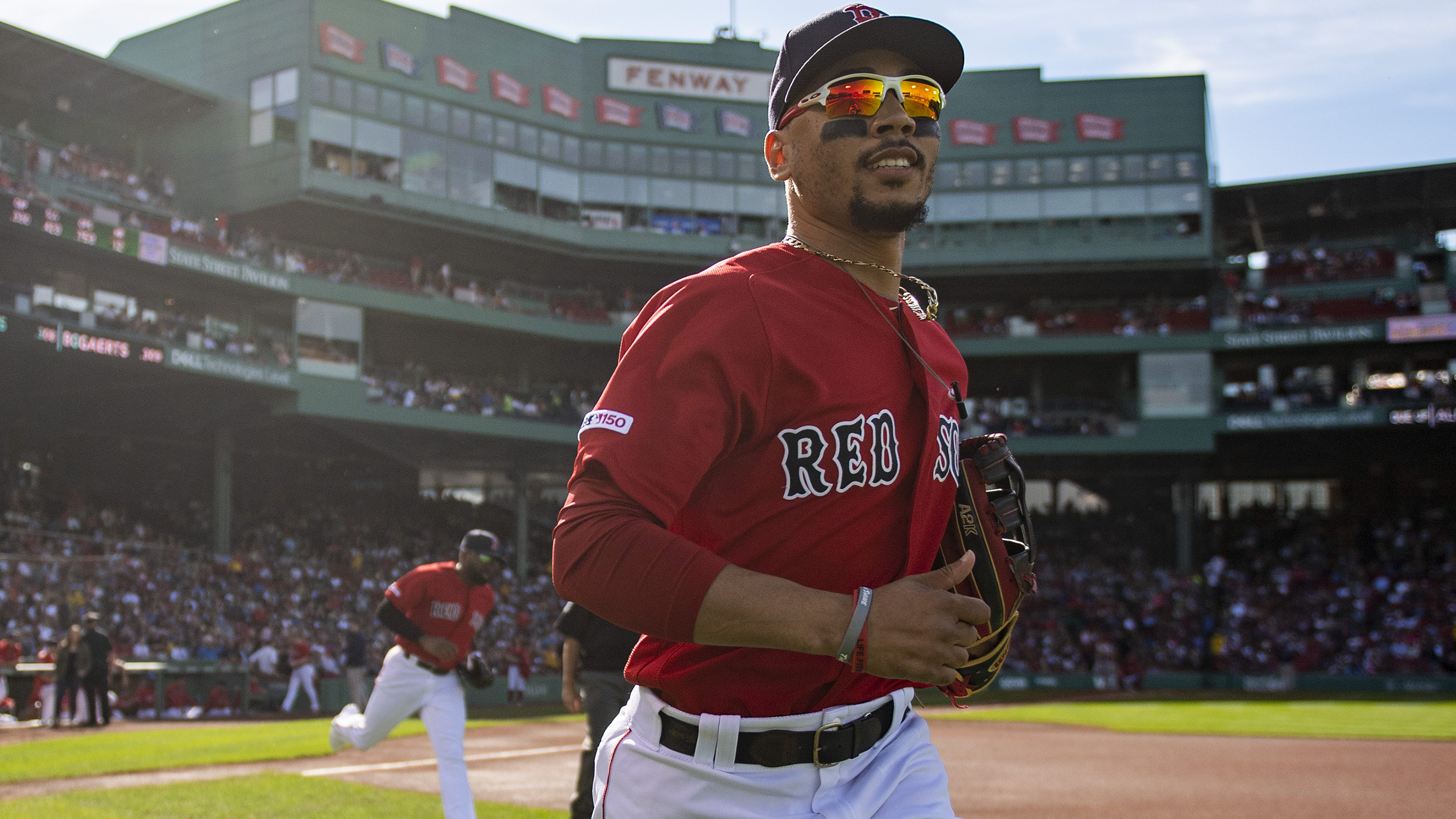 Report: Red Sox, Padres have discussed Mookie Betts trade
