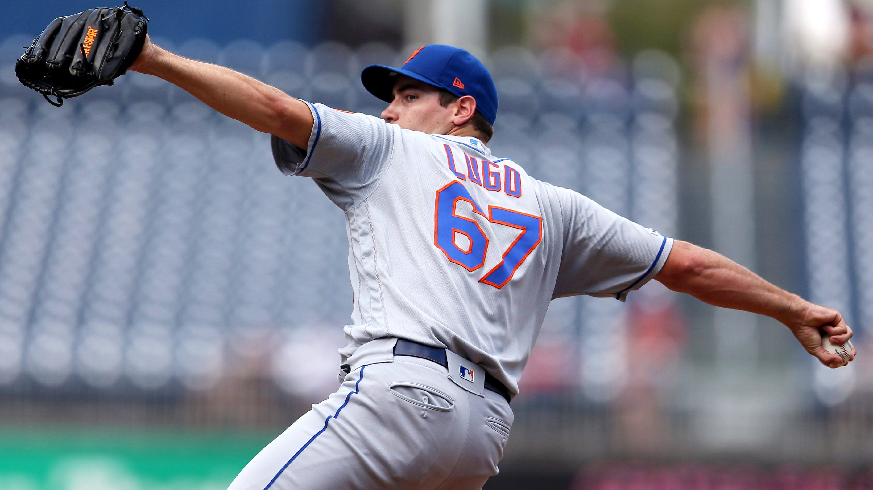 Seth Lugo suffers fractured left pinkie toe