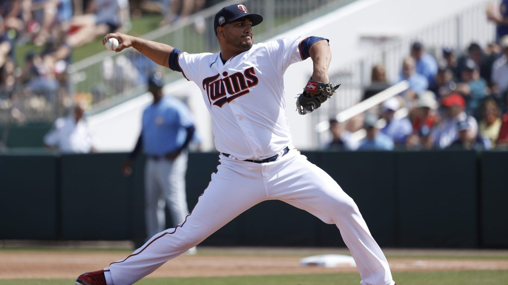 Braves sign Jhoulys Chacín