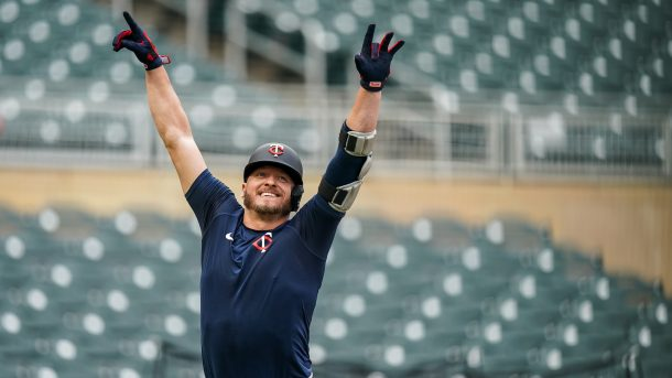 Twins roster and schedule