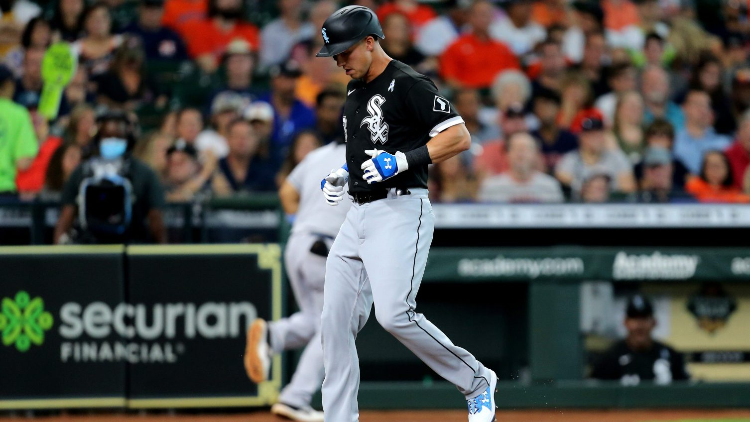 White Sox place Jake Lamb on IL with strained right quadriceps