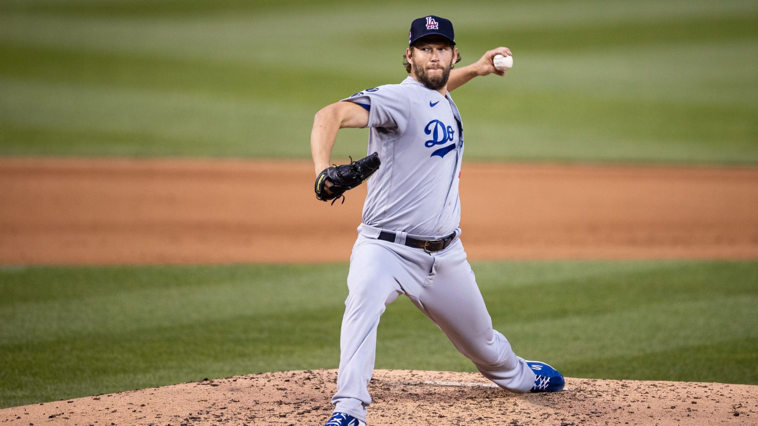 Dodgers ace Kershaw gets clean MRI on sore left elbow