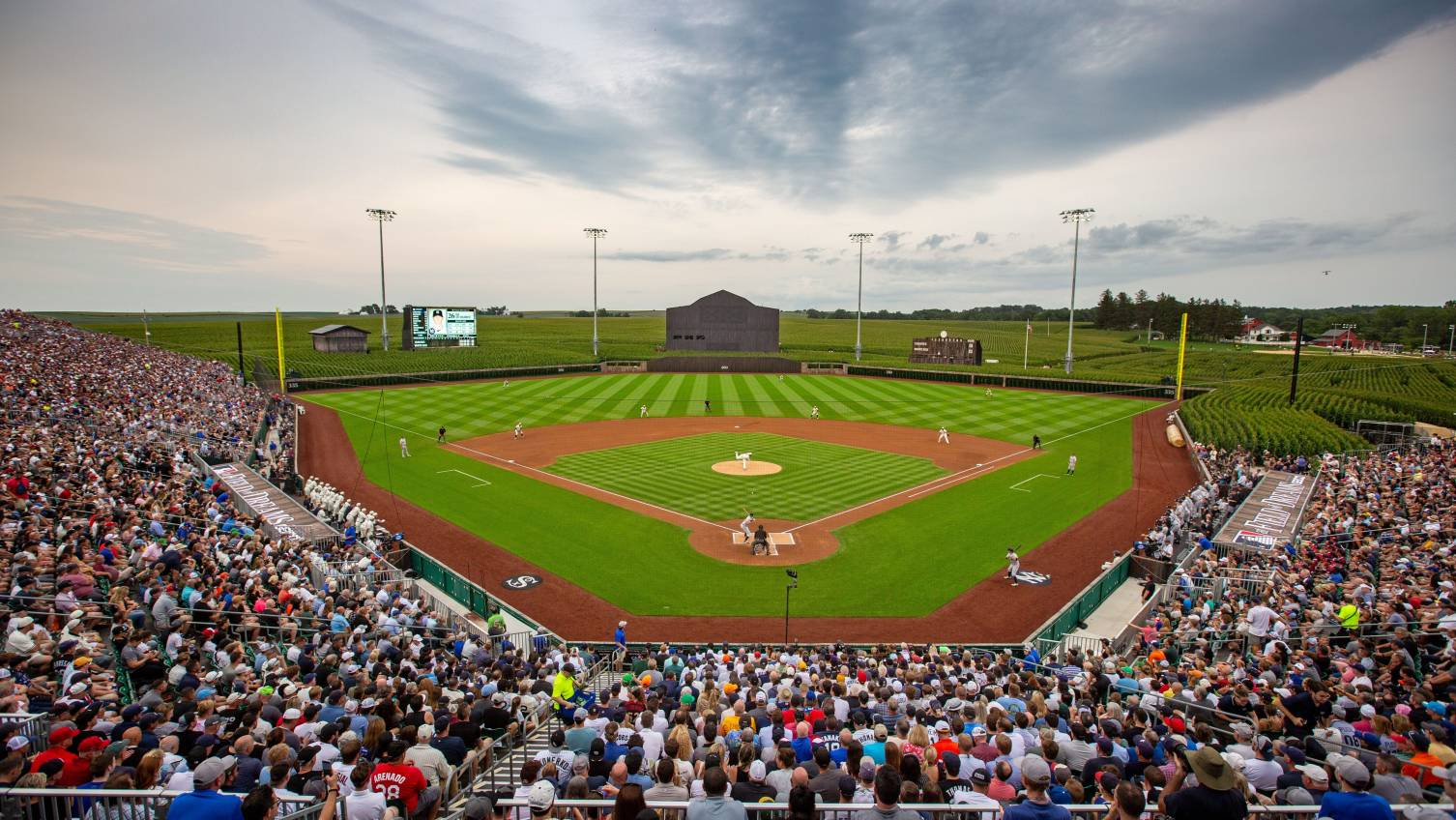 Reds, Cubs to play at Field of Dreams site in 2022