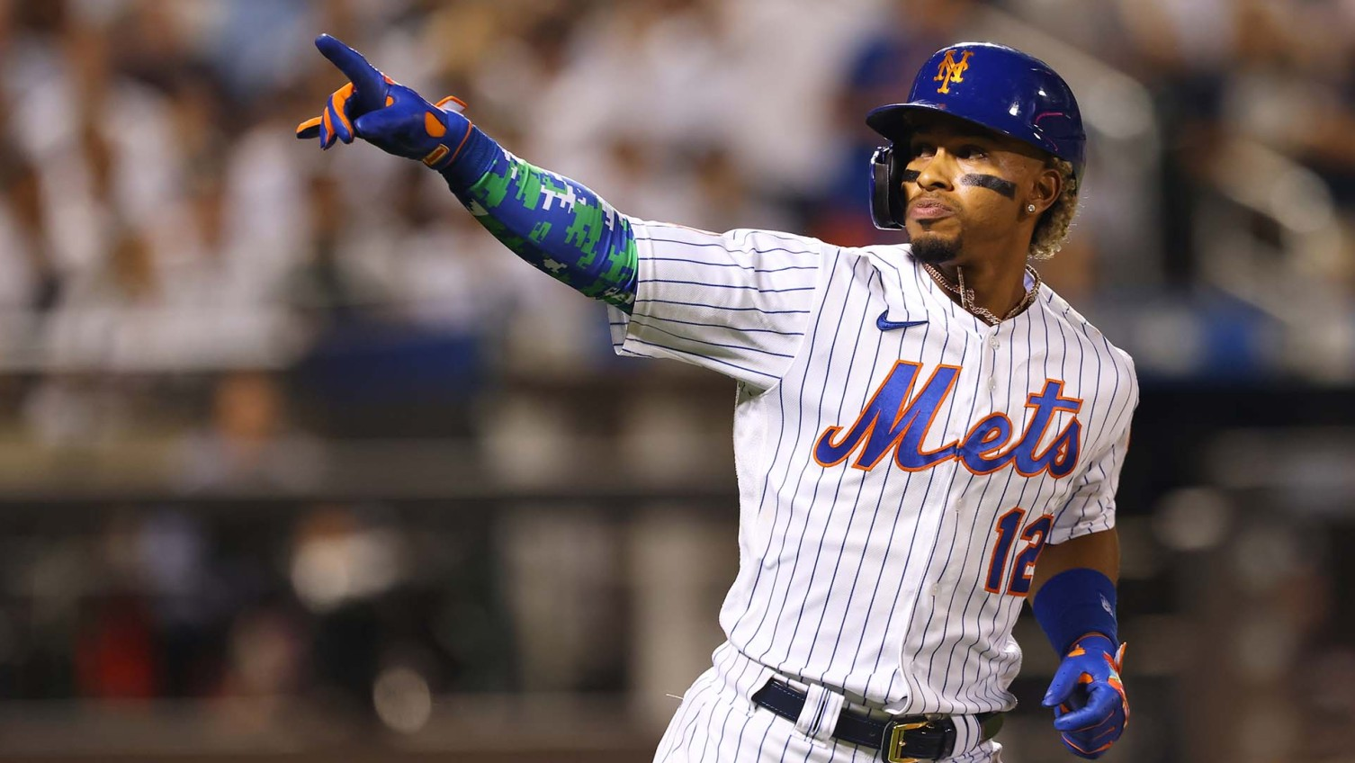Lindor's 3rd homer lifts Mets whistling past Yanks 8-7