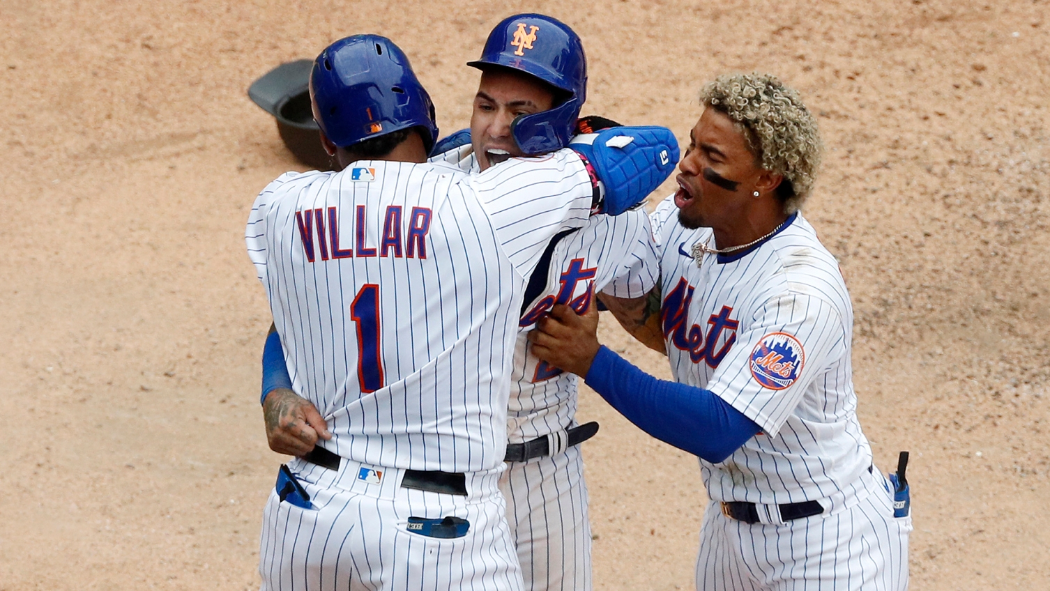 Mets' Báez bolts out of doghouse with apology, winning run