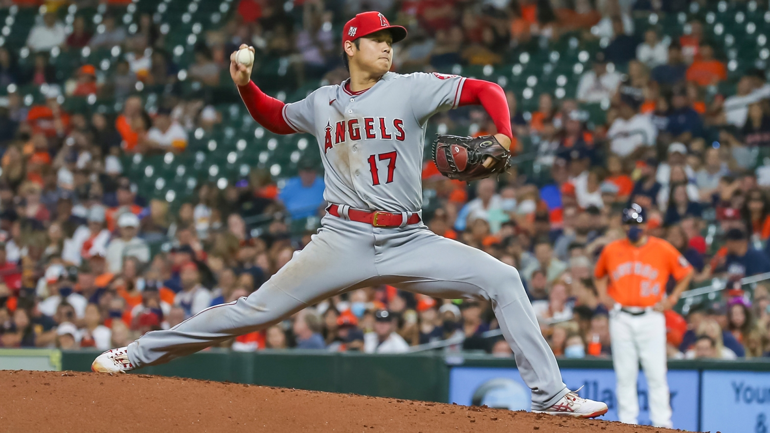 Shohei Ohtani to pitch Sunday for Angels