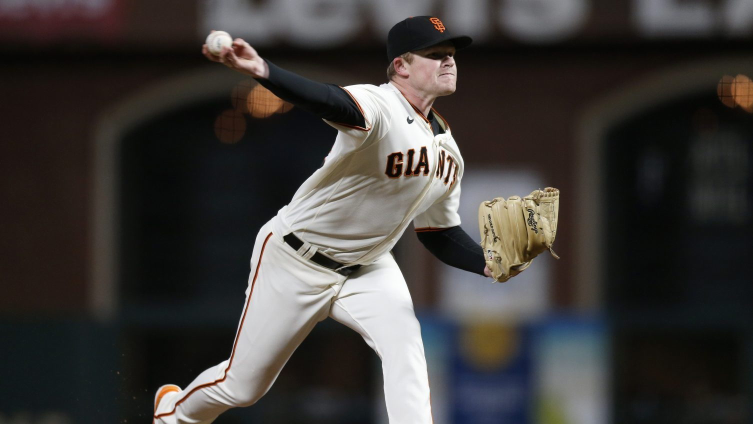 Webb pitches Giants past Dodgers in playoff opener